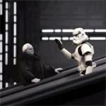 L'empereur prend l'escalator